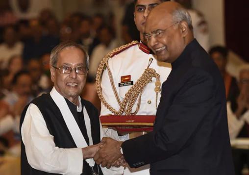 Pranab Mukherjee receiving Bharat Ratna