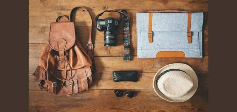 HOW TO TRAVEL ON A BUDGET: MUST-CARRY ITEMS